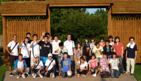 22 Isesaki municipal junior high students and their teachers