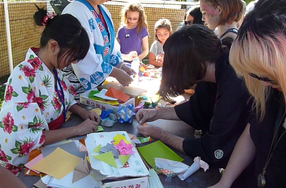 Volunteers Needed for the 2014 Japanese Fall Festival!
