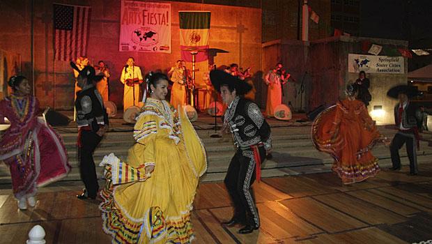artsfiesta-dancers